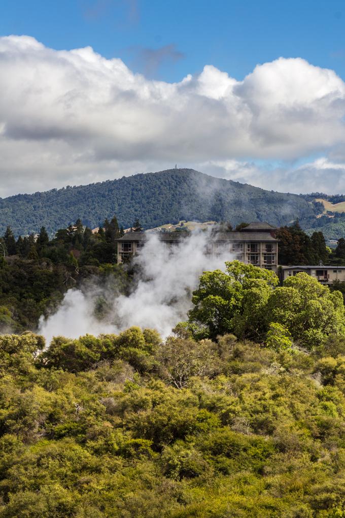 NZ-Rotorua-hotel-V