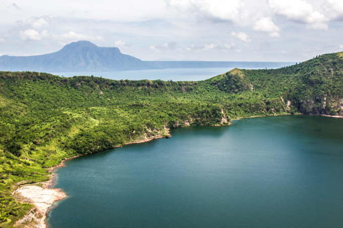 PI-Taal-crater-lake-H