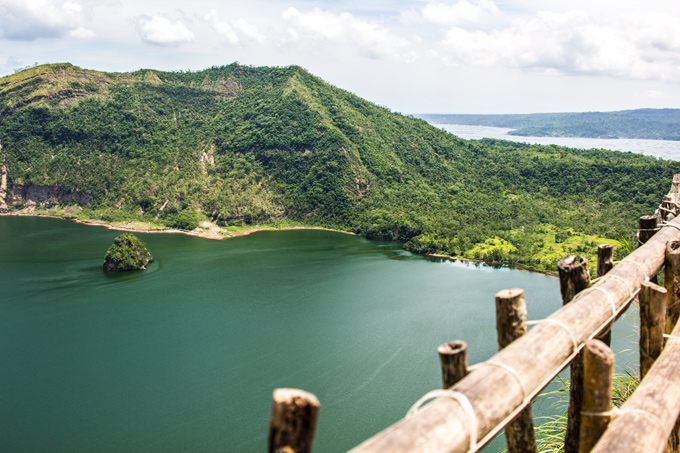 PI-Taal-crater-lake-fence-H