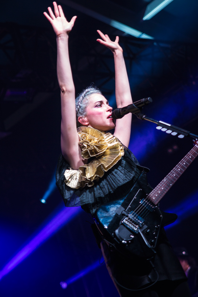 St.-Vincent-hands-up-V