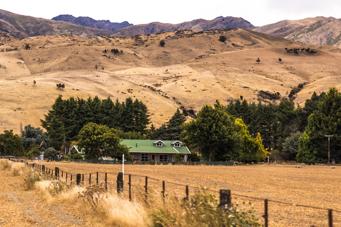 NZ-road-house-hills-H