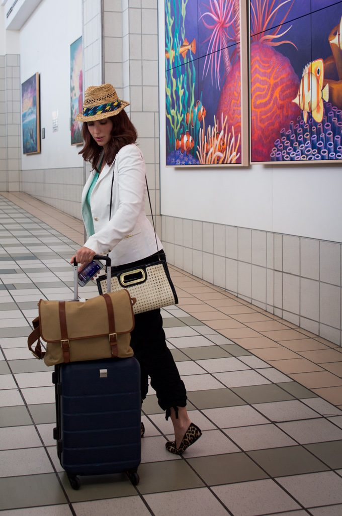 jess-guam-airport-luggage-hat-V