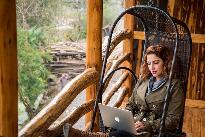 Bnb-Jess-chair-computer-H