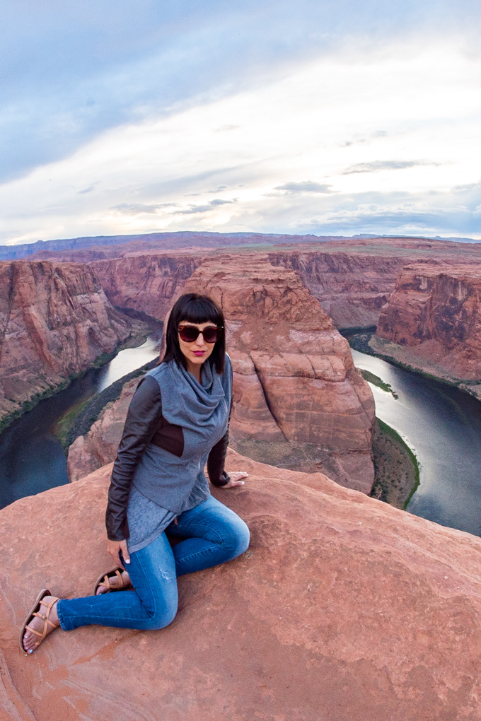 Jessica Peterson of Global Girl Travels at Horseshoe Bend, Arizona