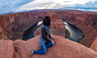 Jessica Peterson of Global Girl Travels at Horseshoe Bend, Arizona