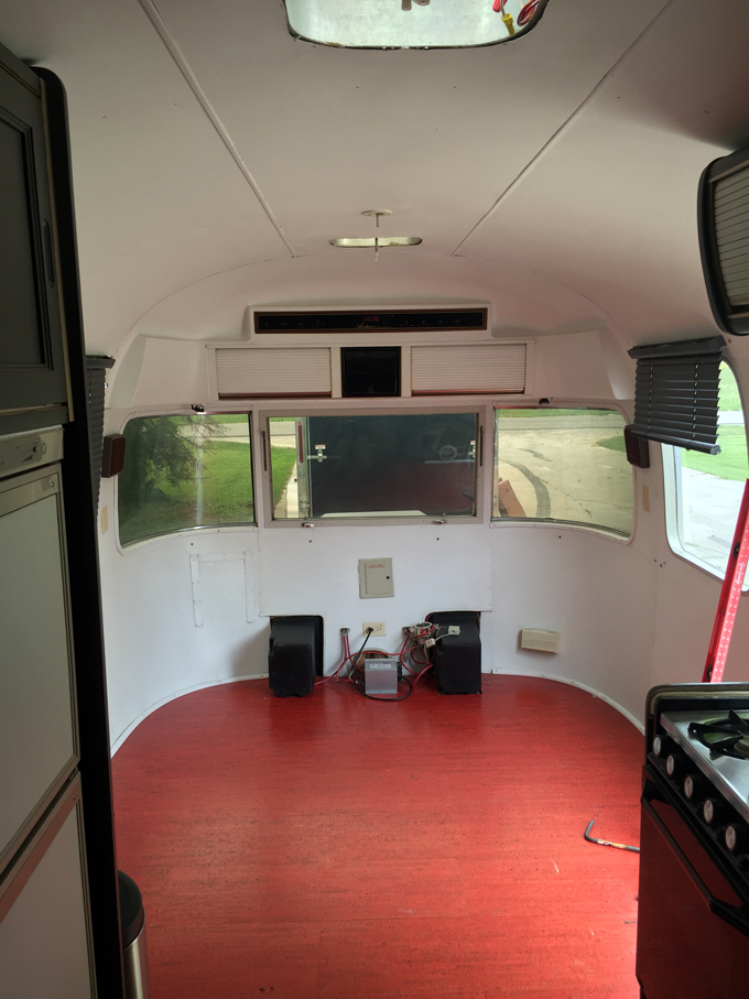 1985 Excella 31' Airstream Before Remodel