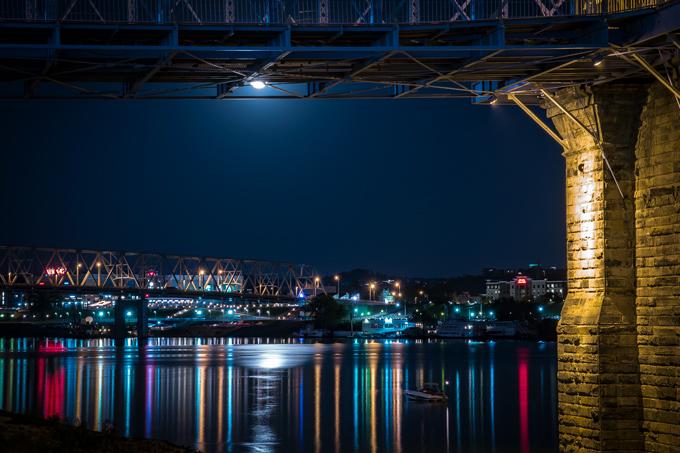 Night view of Roebling Bridge in Cincinnati, Ohio