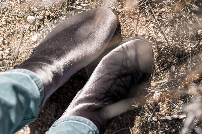 Travel style Anthropologie velvet booties worn by Jessica Peterson of Global Girl Travel at Joshua Tree National Forest Park in California