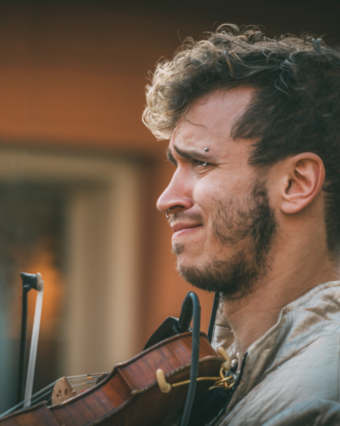 Musician playing violin in New Orleans, Louisiana