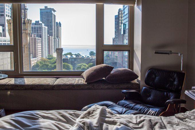 CHI-Park-Hyatt-bed-window-H