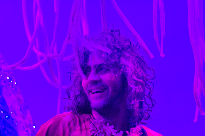 Flaming-Lips-Wayne-close-H