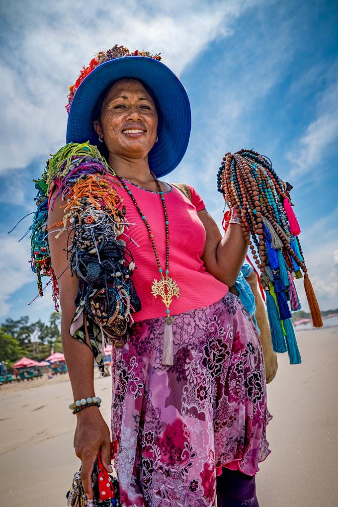 Bali-woman-hawker-V