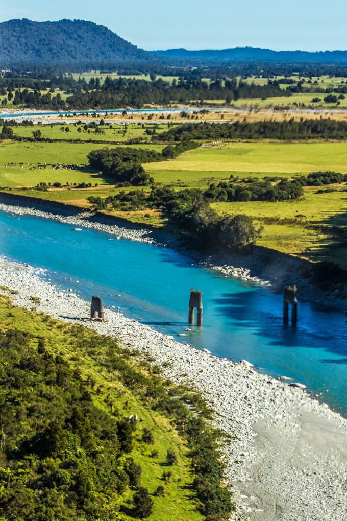 NZ-heli-river-bridge-V