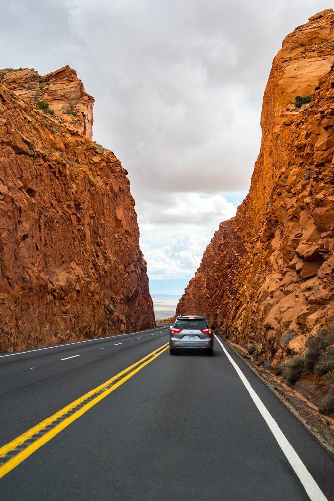 Driving between Sedona and Page, Arizona