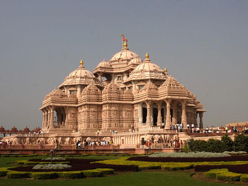 By Swaminarayan Sanstha [CC BY-SA 3.0 (http://creativecommons.org/licenses/by-sa/3.0)], via Wikimedia Commons